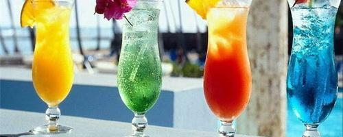 Предлагаю вашему вниманию подборку летних прохладительных коктейлей.